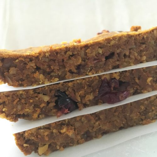 sprouted oat and fruit bar